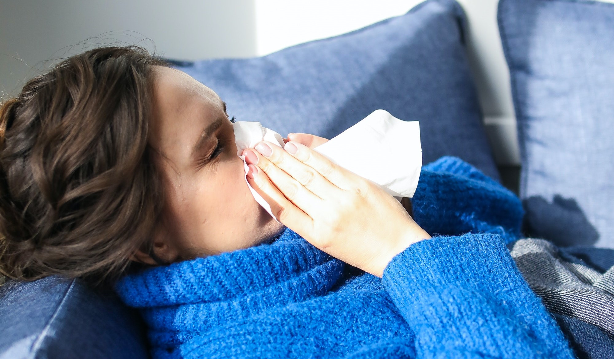 Ivy leaf extract relieves cough associated with thick mucus